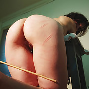 Brutal lashes with a bullwhip to Lola