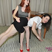 Charming dame gets her keister lashed