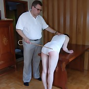 A sore bottom be required of Simone close by get under one's afternoon