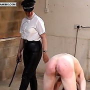 Nasty fille has her posterior lashed