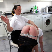 Beamy bitch spanked involving tears more than her large wobbly nuisance - flaming red buttocks