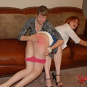 Slave gal was welted by her mistress