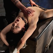 Slavegirl Atom was punished by Pope