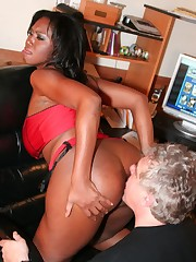 Babe with round bare ass sat on slave