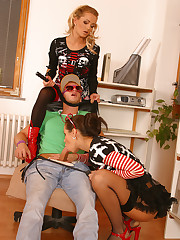 Hot teens Kiki & Adel punish coupled with make the beast with two backs a pizza delivery guy