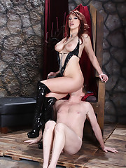 Hot mistress sat on slave's face