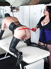 Mistress Jemstone spraying sub Davids balls with deep freeze
