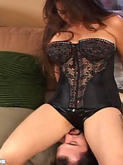 Ultra-sexy Jacklyn uses her big round ass to choke this bitch