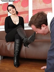 Malesub is licking boot