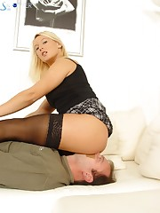 Blonde facesitting mistress