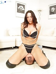 Hot facesitting show with slave and mistress is here.