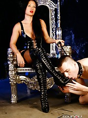 Mistress Jasmine Boot Worship