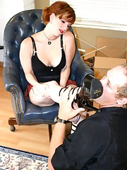 Laddie boss gets her heels worshipped