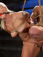 Slave slut gets training with a sexual incentive