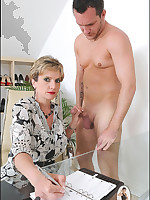 Older lady provides thorough handjob