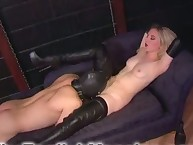 High boots lady got her puss worshipped