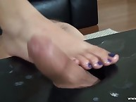 Mistress giving serf foot venture