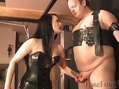 Fat slave had to bare terrible chastisement