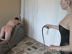 hubby feels much pain from rough bullwhipping