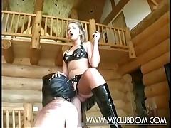 Slave beggar gives vocalized awe