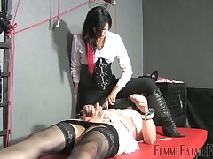 Slave crossdressed sub got his learn of milked verge on overwrought feathers