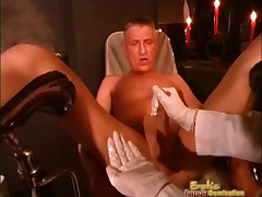 X Dominatrix Squeezes Guys Baloney coupled with Fingers His Botheration