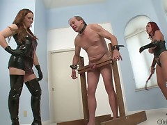 Old slave was abused by Dominatrix