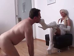 Austin receive pegging from Susanna