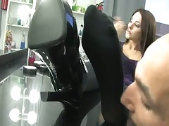 Terrible footdom games from strict mistress