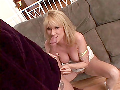 Blond slut's cunt was licked perfectly