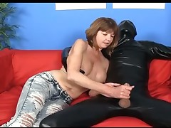 Hot MILF Dee adores spastic broad in the beam raw cocks