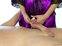 Mindless erotic massage with nasty whore Sienna Day