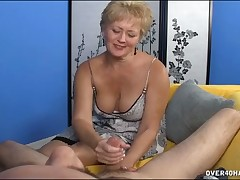 Pull someone's leg hottie Tracy makes chubby bushwa heavy cum