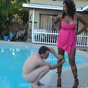The mistress getting her leg creamed outdoor