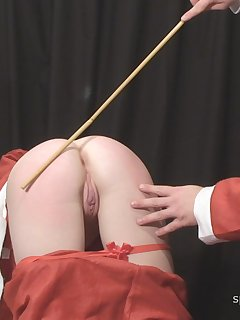 <!–-IMAGE_COUNT-–> of Painful canings with 5 girls