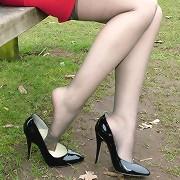 Jenna walking in hot stilettos