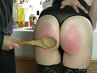 Cute dame gets her buns lathered